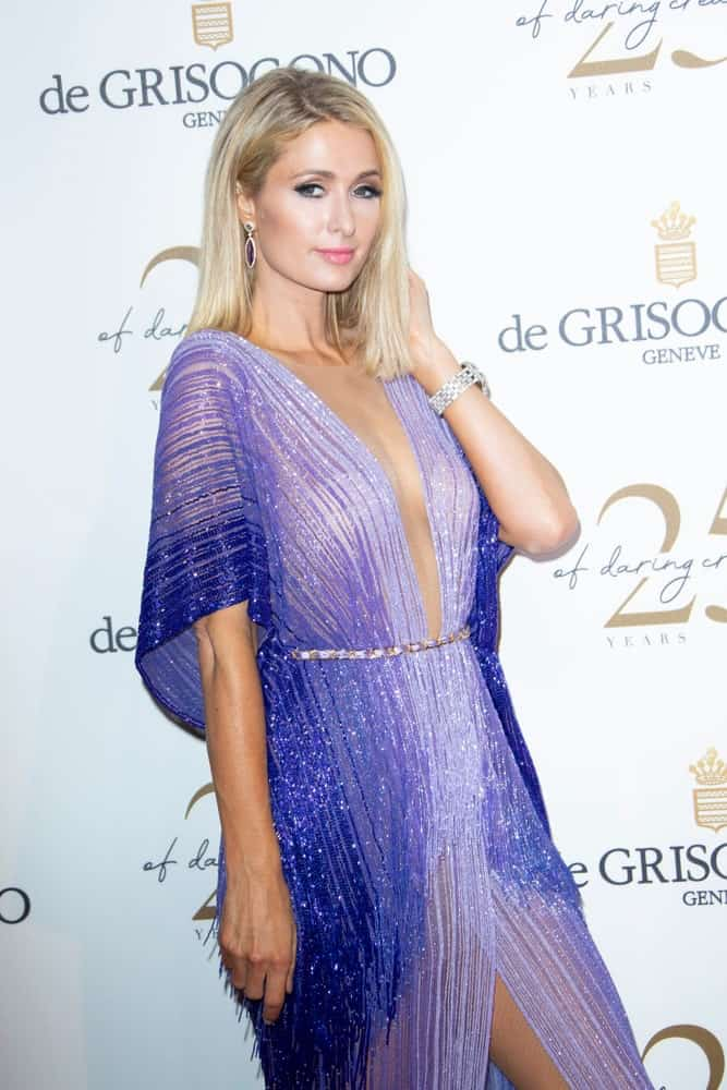 Last May 15, 2018, the model flaunted her medium-length blonde hair with shadow roots at the De Grisogono Party during the 71st annual Cannes Film Festival. The stunning look was completed with a striking blue dress.