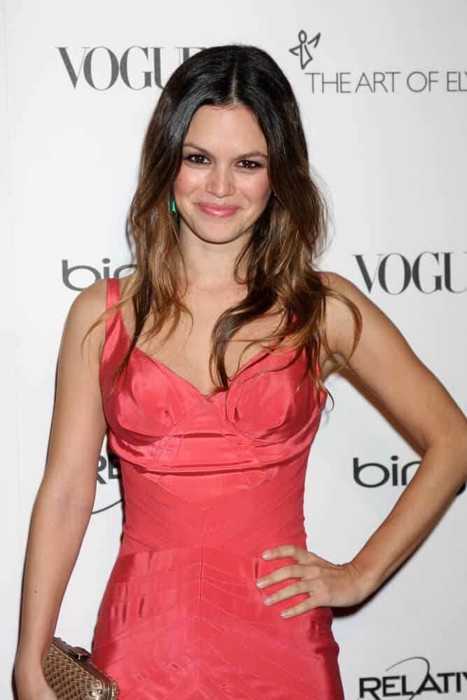 Rachel Bilson looking fresh and young in this center-parted, carefree and loose curls she wore during the Art Of Elysium 'Heaven' Gala 2011 at The California Science Center Exposition Park