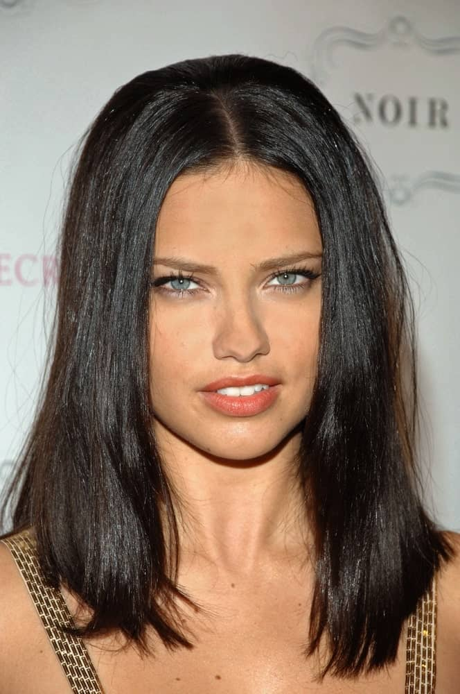 Adriana Lima attended the Victoria's Secret NOIR Fragrance Launch in New York last May 9, 2009 with her super straight black hair styled into a neat lob length curtain on the sides of her face.
