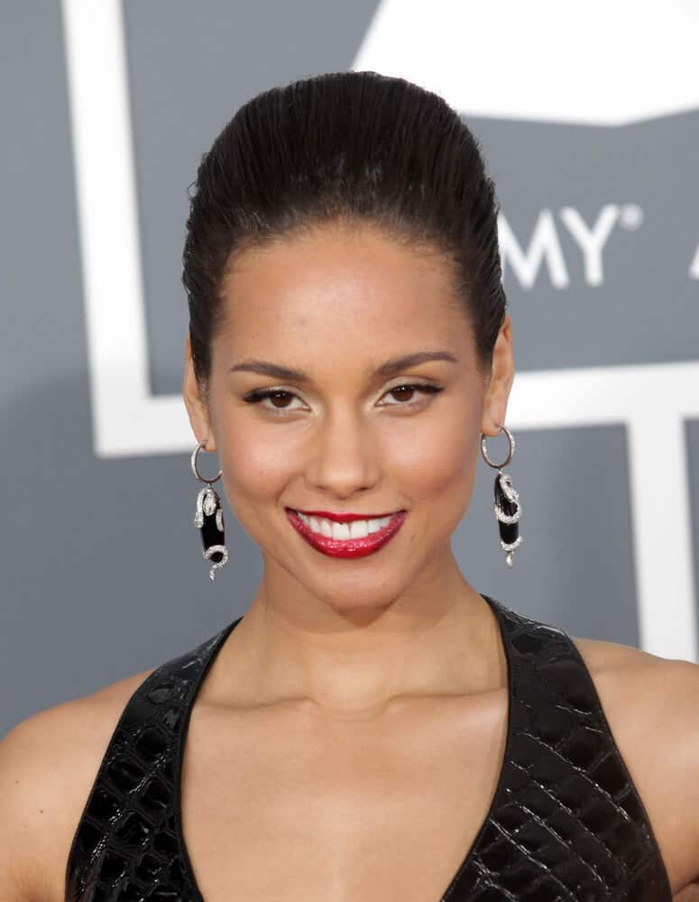 Alicia Keys Hairstyles Over the Years