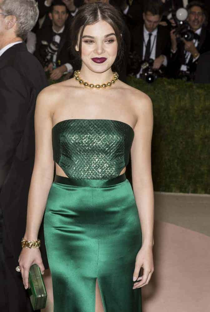 The young star's simple upstyle with tendrils complemented her dark make-up very well during the Metropolitan Museum of Art Costume Institute Gala, 2016.