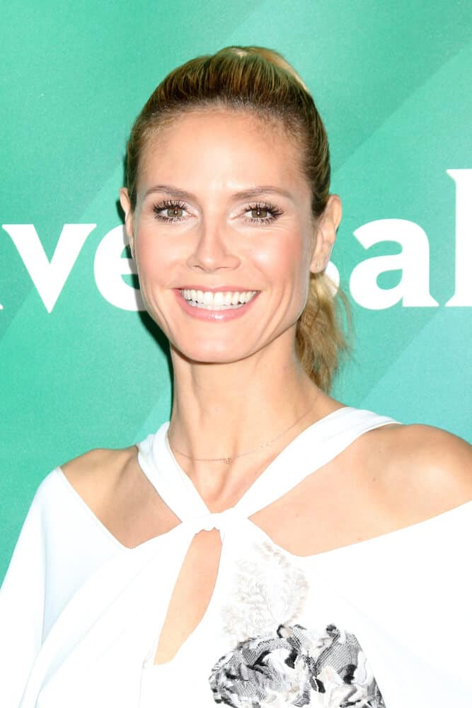 The actress in a wavy ponytail, flashing a captivating smile during the NBC Universal Summer Press Day 2016.