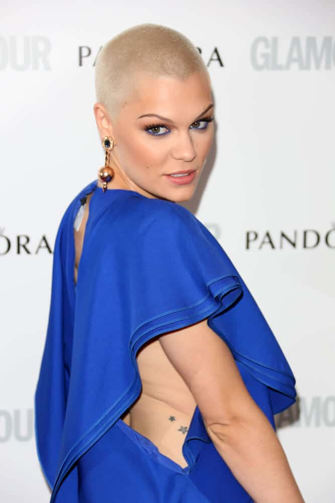 Shaved hair? No problem! The singer slayed the 2013 Glamour Women of The Year Awards in a shaved blondie style showing that hairstye does not define true beauty.