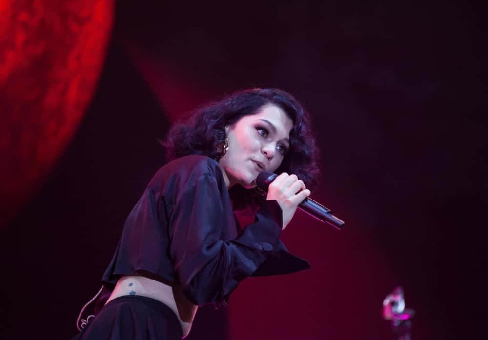 Last July 22, 2018, Jessie J, an English singer and songwriter, performed live at Electric Castle Festival. She wore a sexy black two-piece outfit with her thick curly shoulder-length hair that is parted on the side.