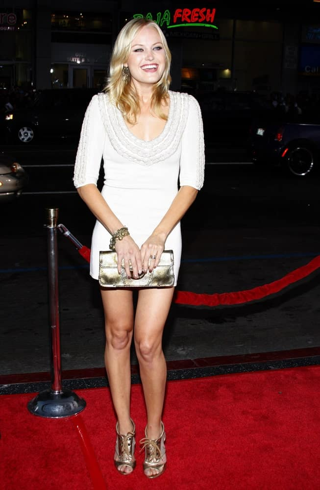 Malin Akerman had a youthful energy at the Los Angeles premiere of 'Eagle Eye' held at the Grauman's Chinese Theater in Hollywood last September 16, 2008. Her straight and loose blond hair was complemented with subtle highlights.