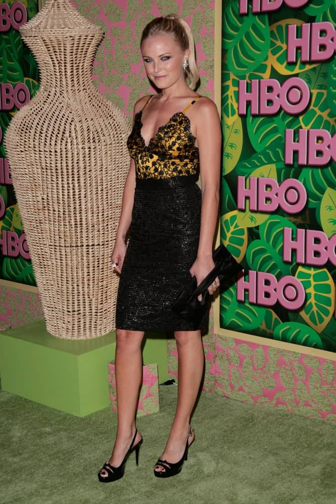 Malin Akerman struck a pose when she arrived at the HBO's Annual Post Emmy Awards Party last August 29, 2010 in West Hollywood, California. She wore a sexy two-piece outfit paired with a simple high ponytail hairstyle.