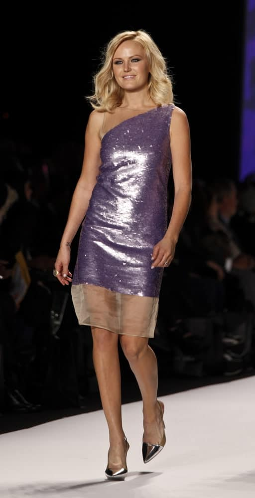 Malin Akerman walked the runway at the 'Fashion For Relief Haiti' show during the fall 2010 Mercedes-Benz Fashion Week last February 12, 2010 in New York with her signature wavy blond shoulder-length hair slightly tousled.