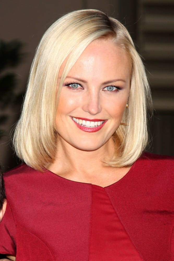 Malin Akerman's perfect teeth and smile paired well with her straight and simple bob hairstyle at the 2012 Environmental Media Awards last September 29, 2012 in Burbank.