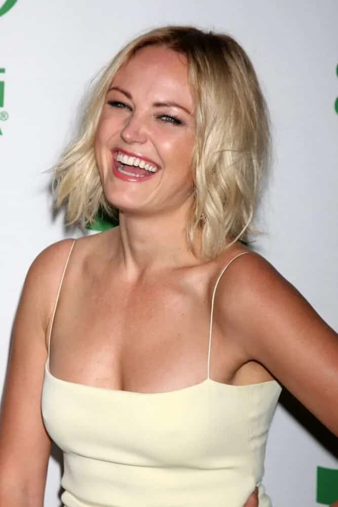 Malin Akerman was photographed in mid-laughter with this slightly tousled, wavy bob last February 26, 2014 for the Global Green USA Pre-Oscar Event.
