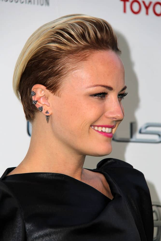 The actress portrayed an elegant disposition with this short-length, slicked back style during the 2014 Environmental Media Awards.