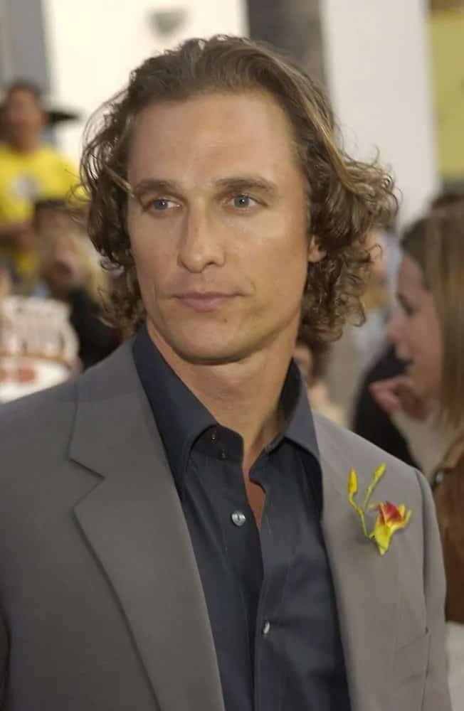 Matthew McConaughey had long and curly brown locks that were styled loose and tousled at the world premiere of 2 Fast 2 Furious in Hollywood last June 3, 2003.