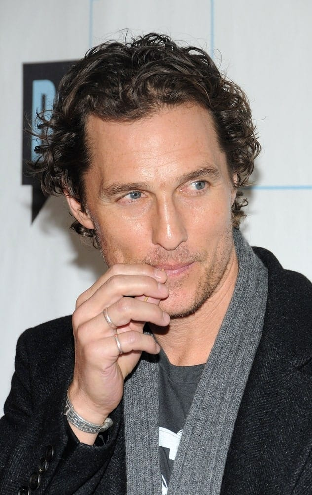 Matthew McConaughey wore a relaxed and casual smart ensemble with a gray scarf at the BRAVO'S Upfront Party, Skylight Studios in New York last March 10, 2010. He paired this with his iconic messy wavy hair with a slick finish.