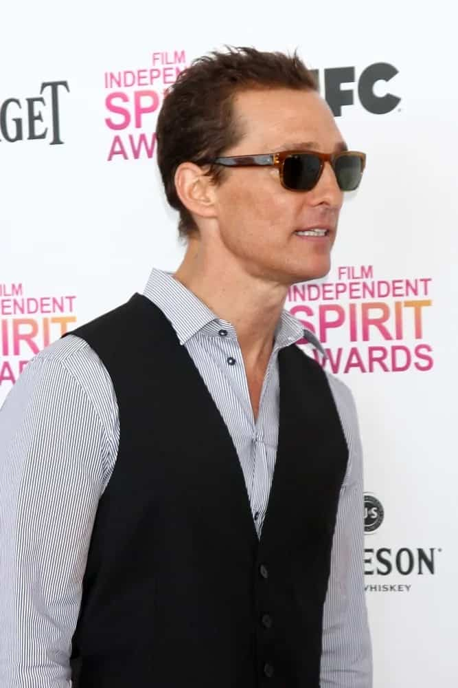 Matthew McConaughey looked hip and stylish with his sunglasses and his short tossed-up hairstyle with short wavy spikes at the 2013 Film Independent Spirit Awards last February 23, 2013 in Santa Monica.