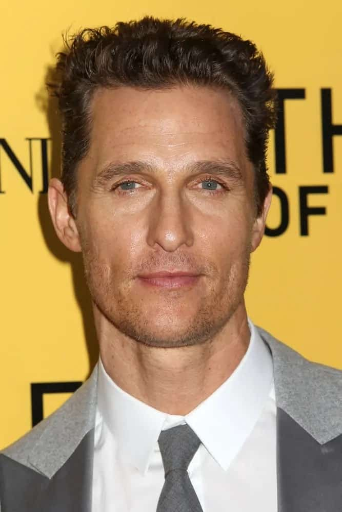 Matthew McConaughey had a short and spiky crew cut with a neat and slick finish at the sides when he attended the 2013 premiere of The Wolf of Wall Street.