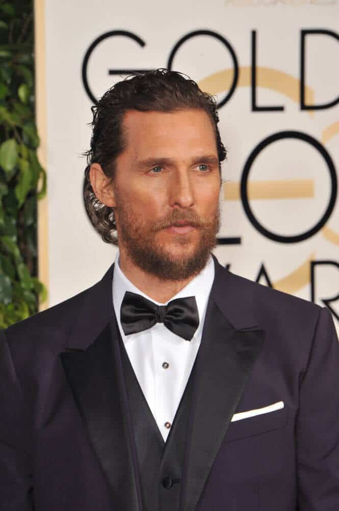With his suit and semi-slicked back waves, the actor attended the 72nd Annual Golden Globe Awards looking sophisticated and trendy at the same time.
