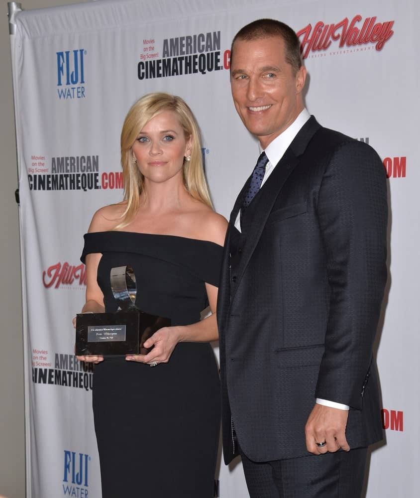 Last OCTOBER 30, 2015, Reese Witherspoon & Matthew McConaughey were at the American Cinematheque 2015 Award Show at the Century Plaza Hotel. The actor was rocking a shaved head style to match his three-piece suit.