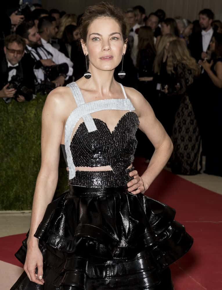 An elegant upstyle with slight tousle won't hurt. Take it to Michelle Monaghan who absolutely nailed this look at the Manus x Machina Fashion in an Age of Technology Costume Institute Gala last May 2, 2016.