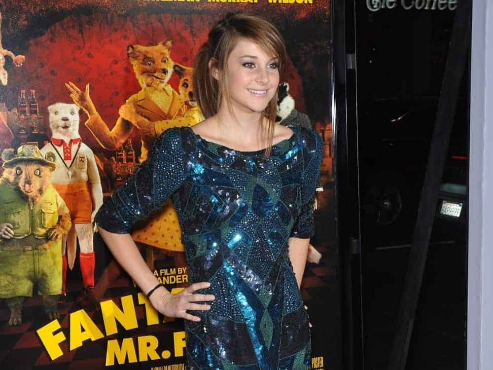 On October 30, 2009, Shailene Woodley attended the Los Angeles premiere of