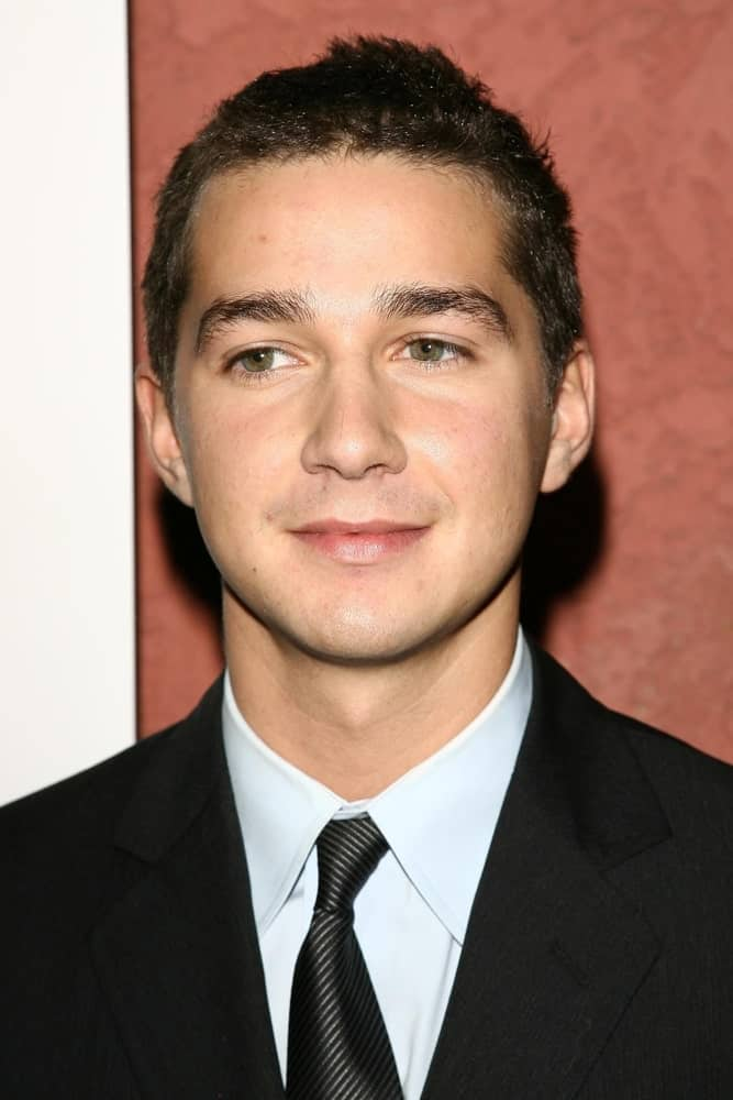 The actor was at the Hollywood Life Magazine's Breakthrough of the Year Awards in Hollywood, California last December 10, 2006 with a fresh face complemented by his short carefree hair.