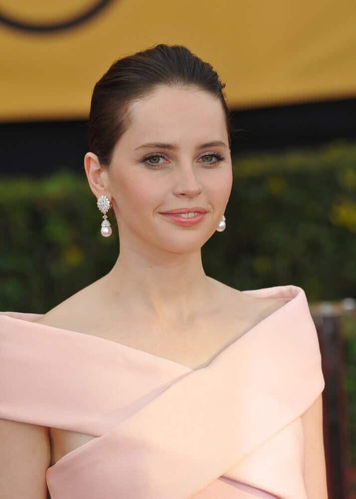 Felicity Jones looking so fine and elegant with her neat updo