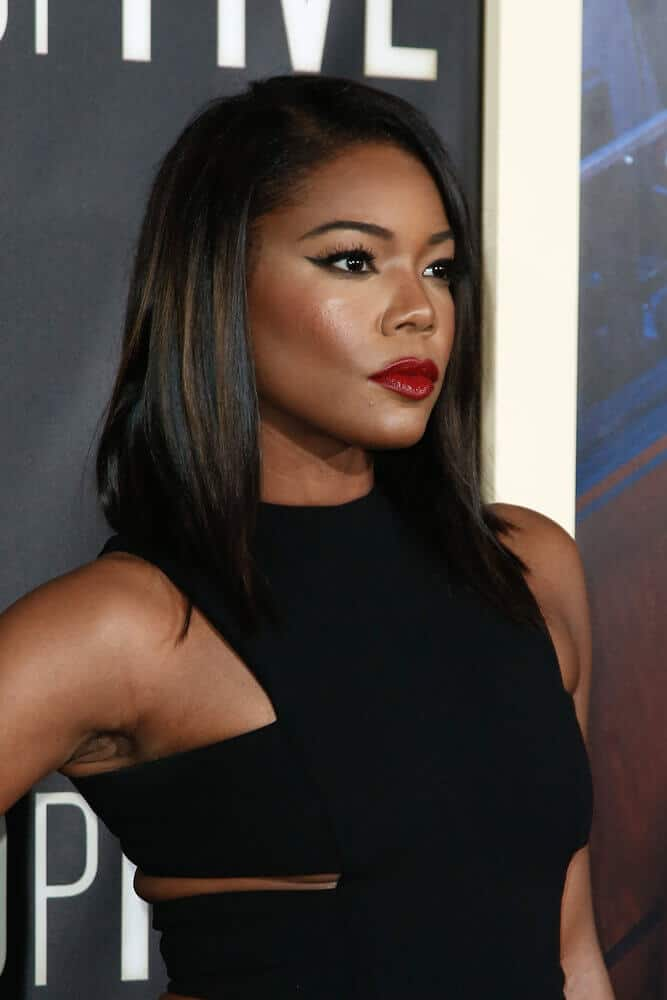During the 'Top Five' premiere at the Ziegfeld Theatre last December 2014, Gabrielle Union sported a mid-length cut with subtle highlights for an extra style.