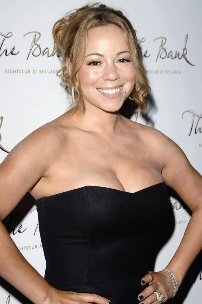 Mariah Carey made an appearance at The Bank Nightclub, Bellagio Resort & Casino last October 04, 2008 with this messy updo that showcases her elegant neckline.