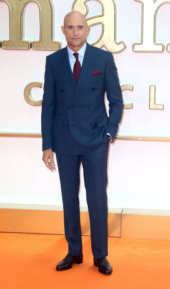 Mark Strong incorporated his shaved head with a formal, all-blue attire last September 18, 2017 at the world premiere of 'Kingsman: The Golden Circle World'.