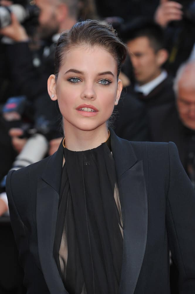 Barbara Palvin slayed the edgy look with this messy, brushed and slicked back hairstyle