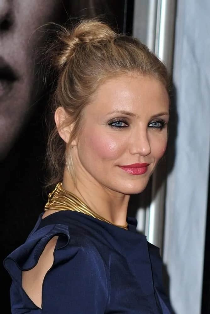 Cameron Diaz exhibited a classy and sassy aura with her semi-messy upstyle bun during the premiere of The Box last November 4, 2009.