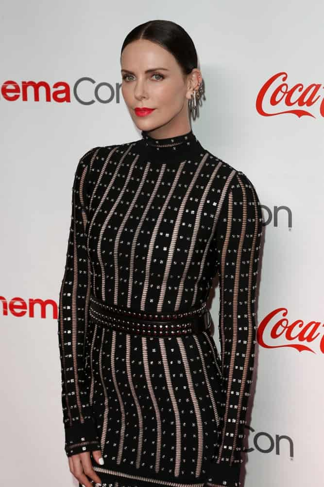 The actress arrived for The CinemaCon Big Screen Achievement Awards last April 4, 2019, in a gorgeous turtleneck dress and her black hair gathered on a neat bun with middle-parting.