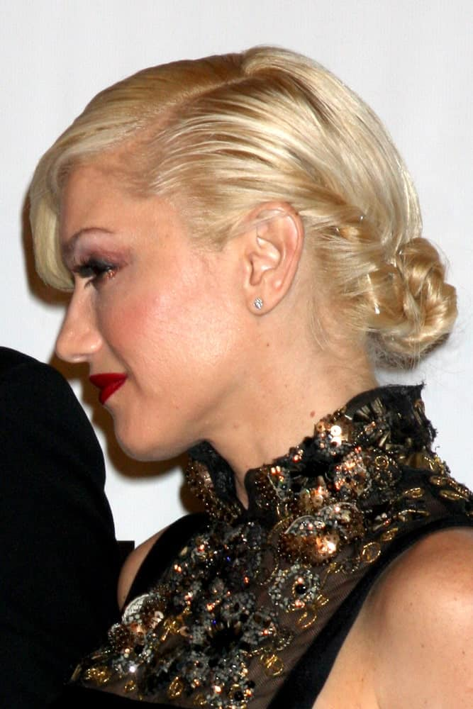 """Gwen Stefani arrived at the MOCA's Annual Gala """"The Artist's Museum Happening"""" 2010 at the Museum of Contemporary Art last November 13, 2010 in Los Angeles, CA. She was a picture of elegance with her slick low bun hairstyle."""