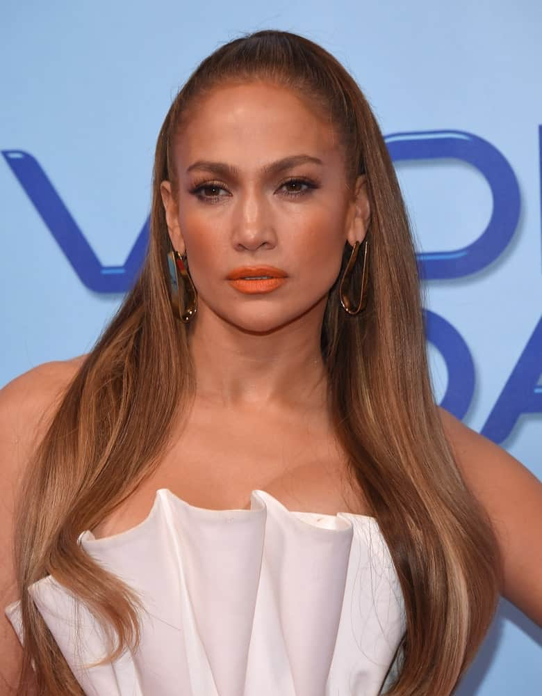 Jennifer Lopez looking all gorgeous with a slicked half updo that she wore at the 'World of Dance' Press Junket last January 30, 2018.