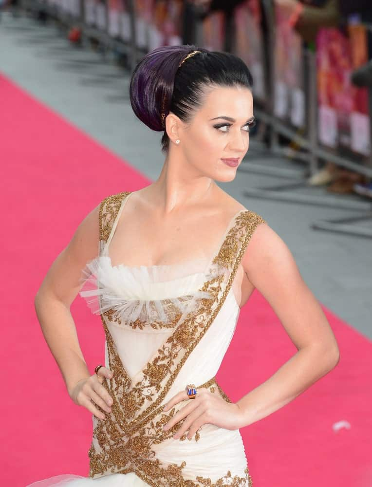 Katy Perry pulled off a sleek yet classy look with her purple bun during the Katy Perry: Part Of Me premiere at Leicester Square, London, UK last July 3, 2012.