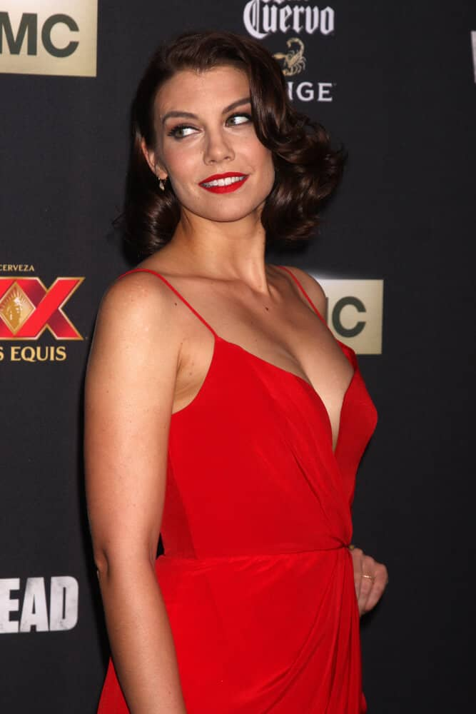 Lauren Cohan in a red-lip classic look and a vintage hairstyle