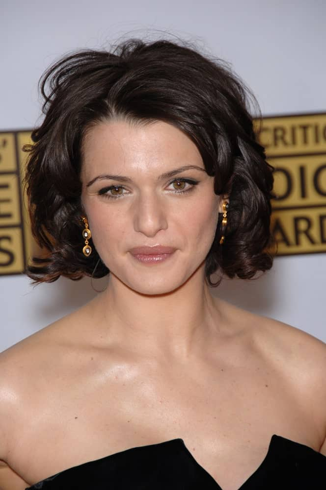 Rachel Weisz sports a curly bob that's tousled a bit at the 11th Annual Critics' Choice Awards held on January 9, 2006.