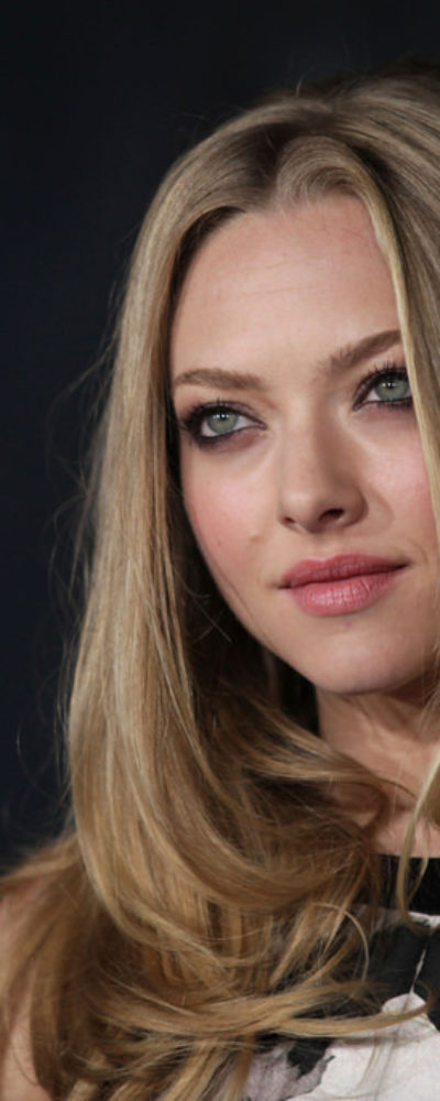 Amanda Seyfried with long blonde fine hair.