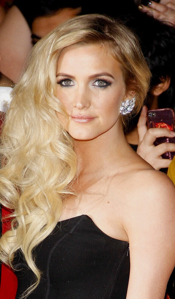 Ashlee Simpson's multi-textured curls.
