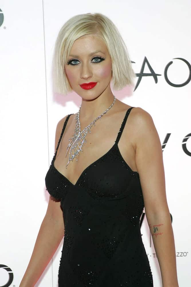 Christine Aguilera's straight, blonde bob.