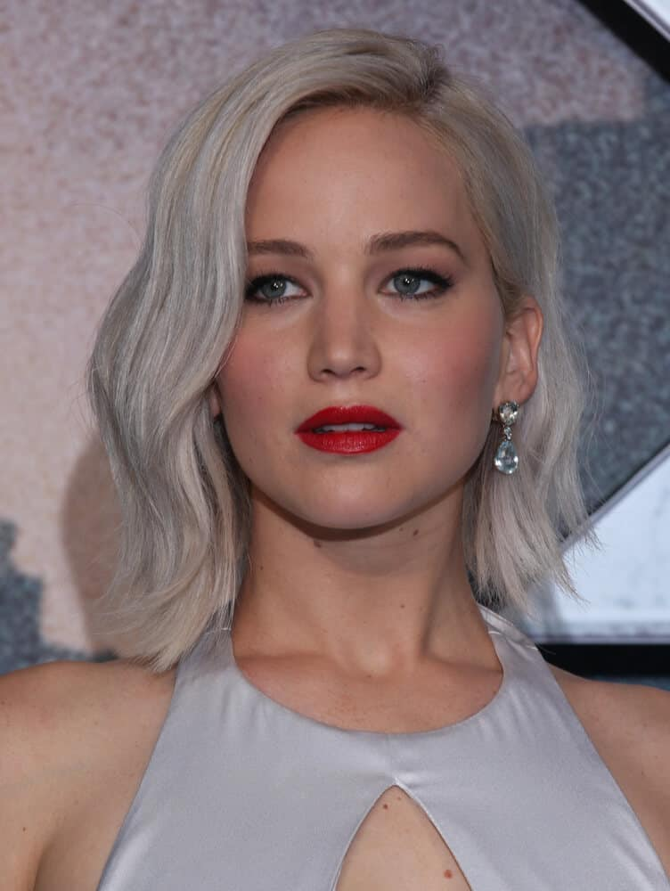 Jennifer Lawrence's short hair in a classy, ash blonde shade.