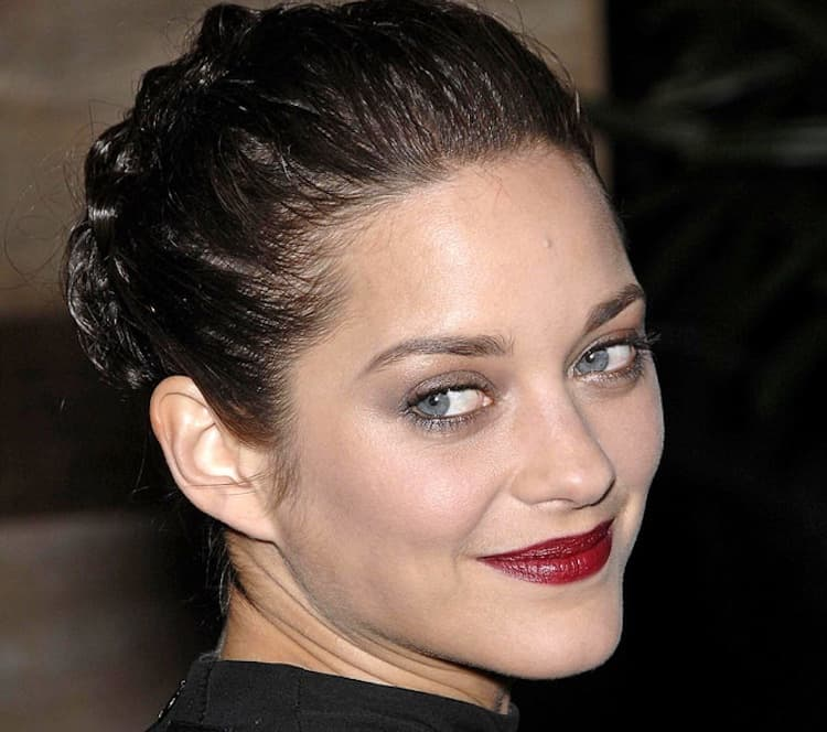 101 Slicked Back Hairstyles For Women Photo Ideas