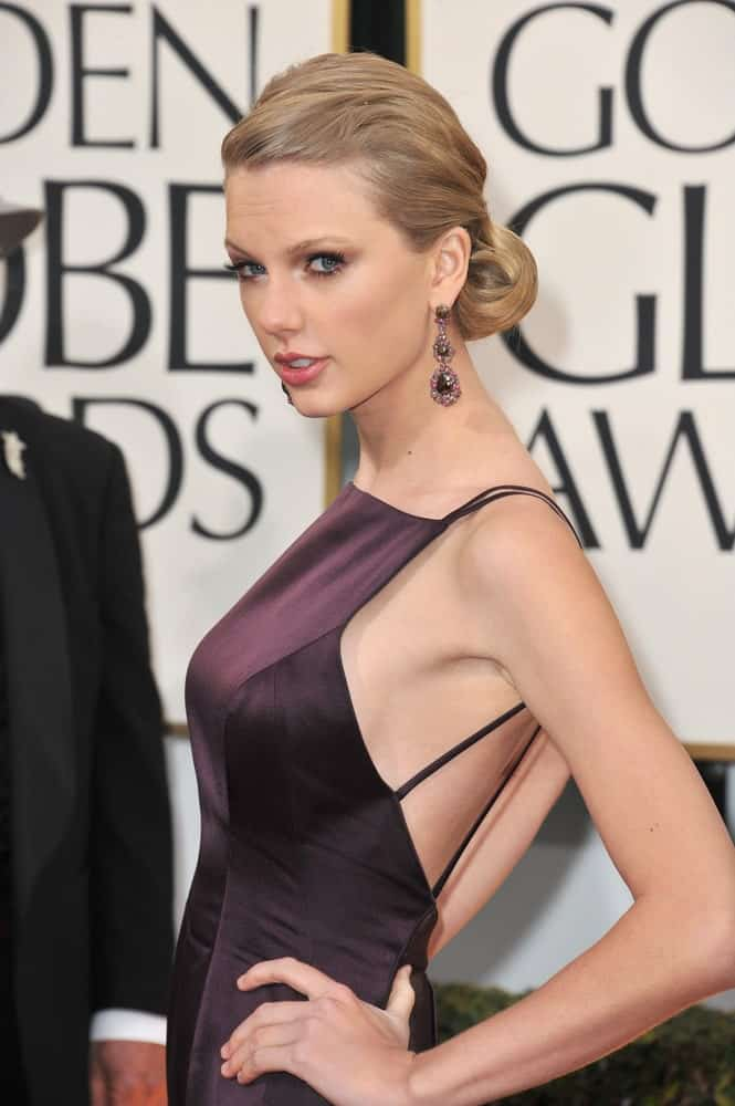 The singer sporting a sophisticated low bun that perfectly goes with her formal dress at the 70th Golden Globe Awards at the Beverly Hilton Hotel last January 13, 2013.