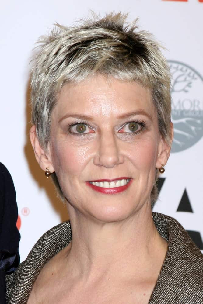 With this intriguing pixie cut, Patricia Ward Kelly looks like a diva and you can too. If you do it right, this haircut can be a lot of fun. Plus, getting this cut means more oomph in your life as it allows you to look like you just walked out of the salon, throughout the day!
