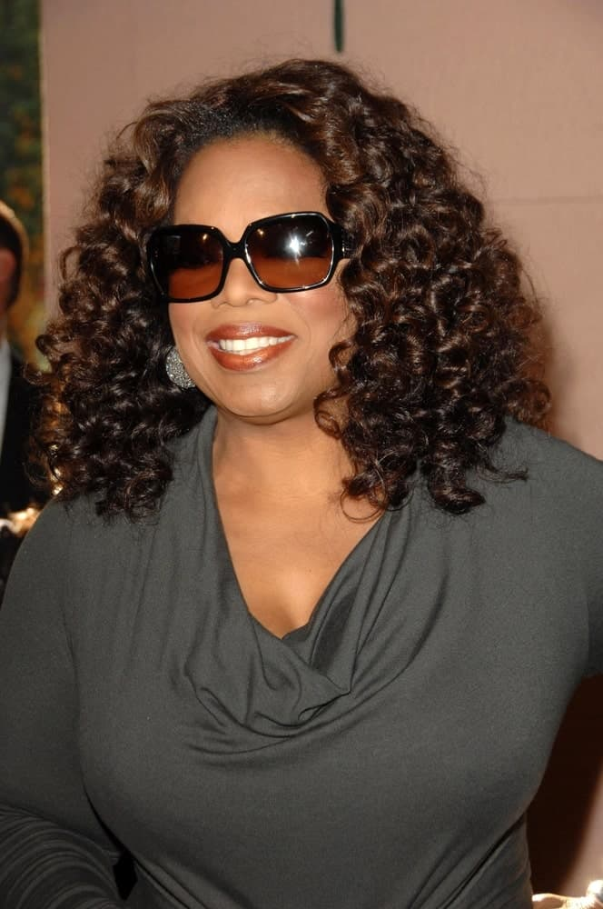 Large-frame glasses look absolutely stunning with curly hair. The tighter your curls and the crazier your hair, the better your large glasses will go along. In fact, one can say it is a match made in heaven! If Oprah Winfrey thinks that, no one shall deny it!