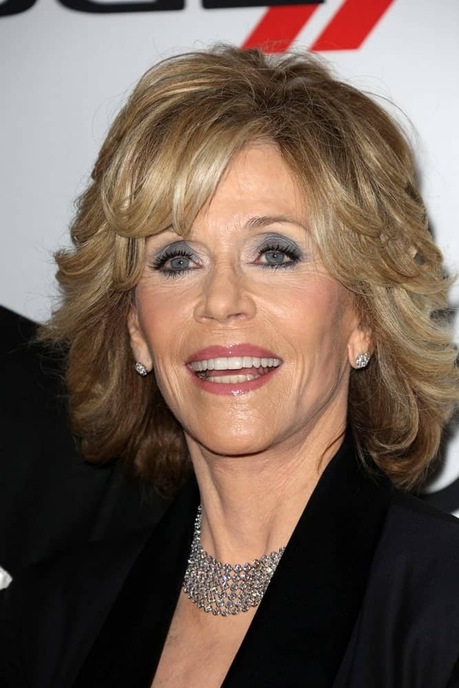 Layers and short bangs make the perfect combo for women over 60. Jane Fonda sported the look quite incredibly! The best thing about this haircut is that while it is casual and easy to maintain in daily routine, it gives you a number of styling options when you are attending a rather event or simply feels like dolling up.