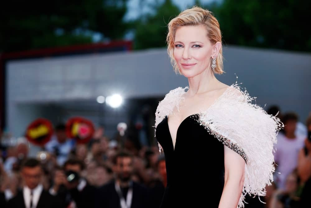 Cate Blanchett has styled her cropped bob hair into an edgier version. Using lots of products, the actress has given her hair some texture and a wet grunge look. The style is very modern and edgy.