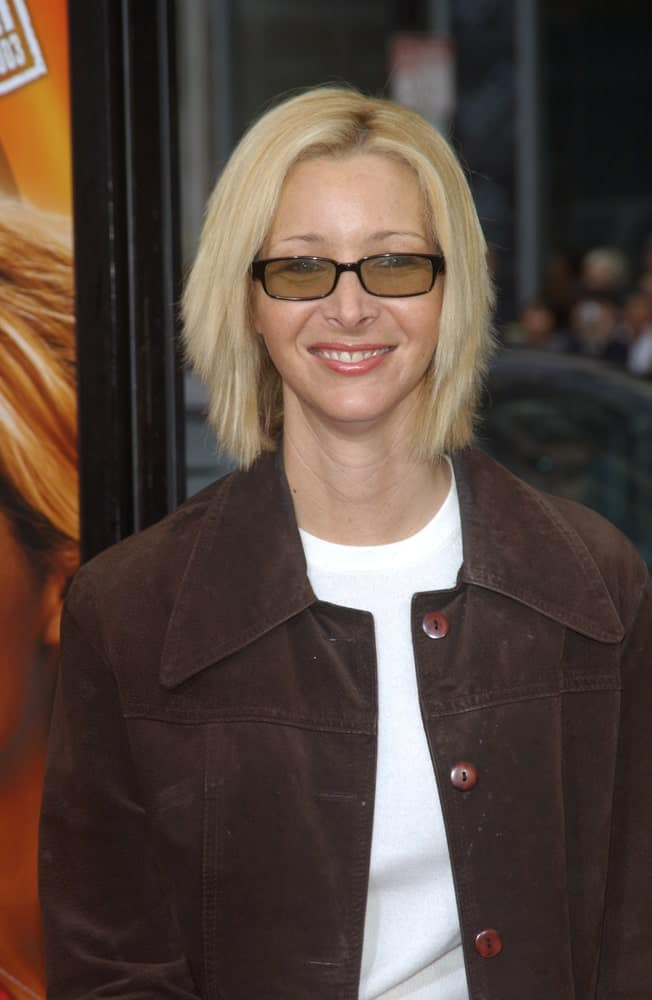 This stunning photo of Lisa Kudrow proves that it is simply impossible to go wrong with a short layered bob. Since a Bob cut frames the face of the wearer, it is one of the best hairstyles for sporting glasses.