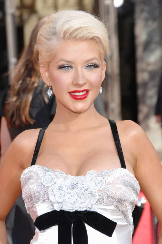 On September 16, 2007, Christina Aguilera chopped off her blonde locks into a pixie at the 59th Primetime Emmy Awards at the Shrine Auditorium.