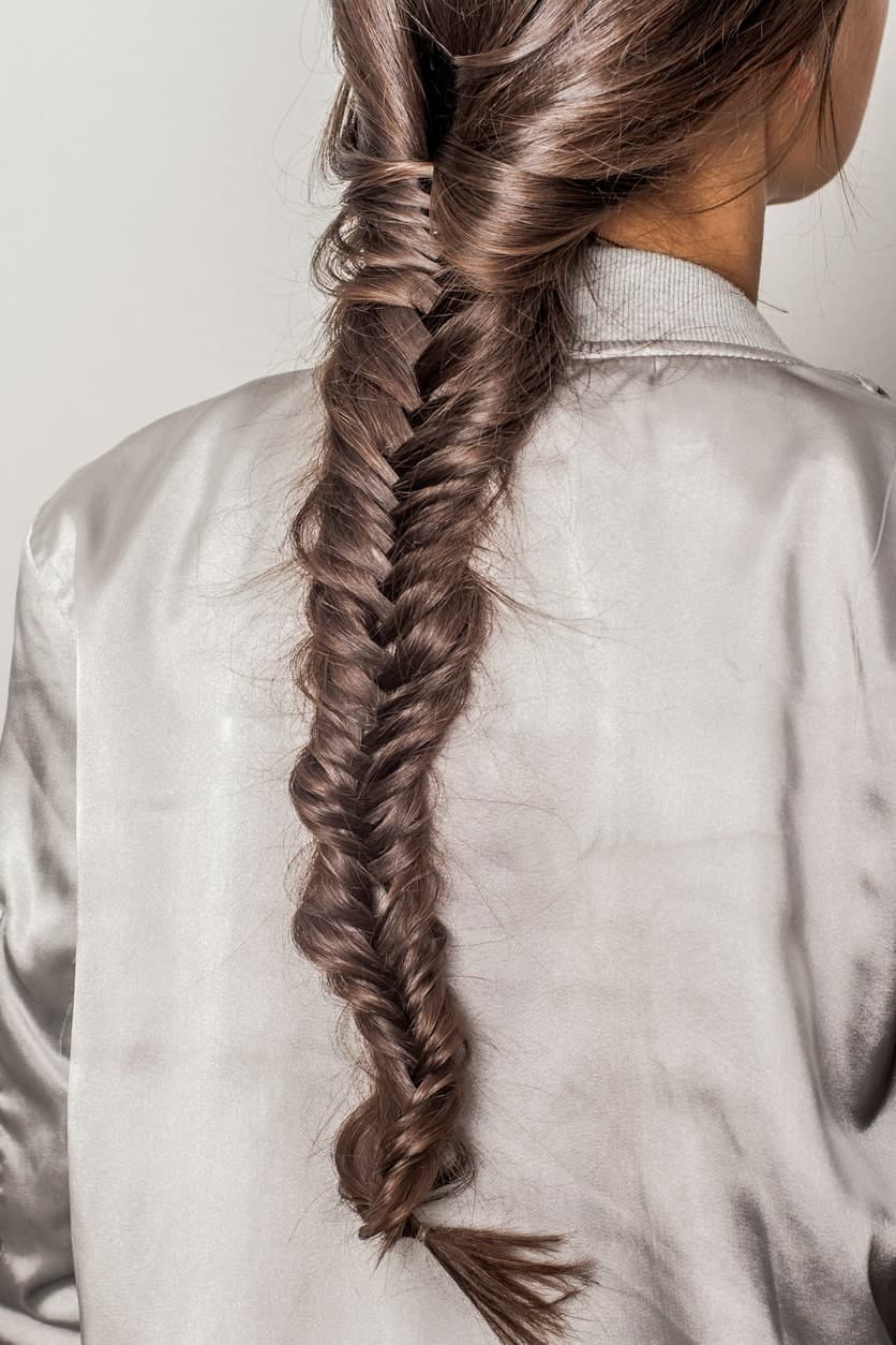 You may be aware of it already, but in case you need a reminder – fishtails look extraordinary on women with straight hair!