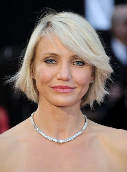 Flickr, camerondiazfrance Side-swept bangs are not just for the young. Cameron Diaz proudly rocked the style and you can gain some inspiration from her.