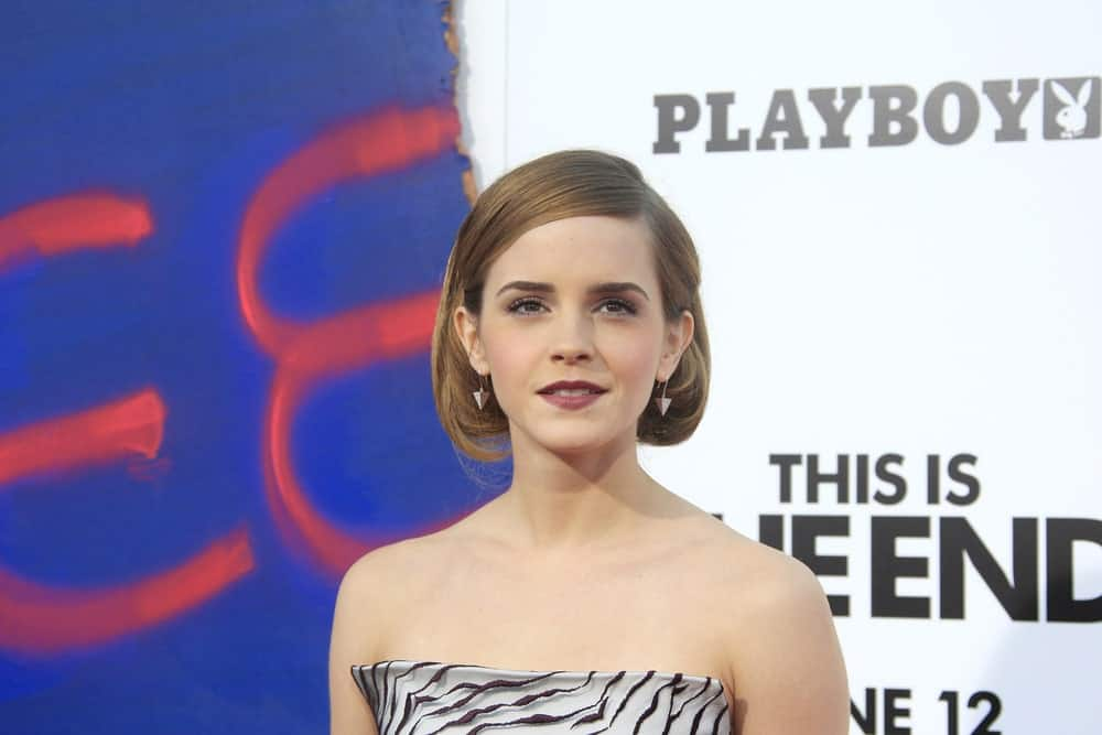 "The ""Beauty and the Beast"" actress has rocked a number of short cute hairstyles with different hair colors. Here is one of our favorites; the classic side-parted, chin-length bob, with the ends curled inwards. What is so great about it is the bright antique bronze color Emma Watson has chosen to show off."